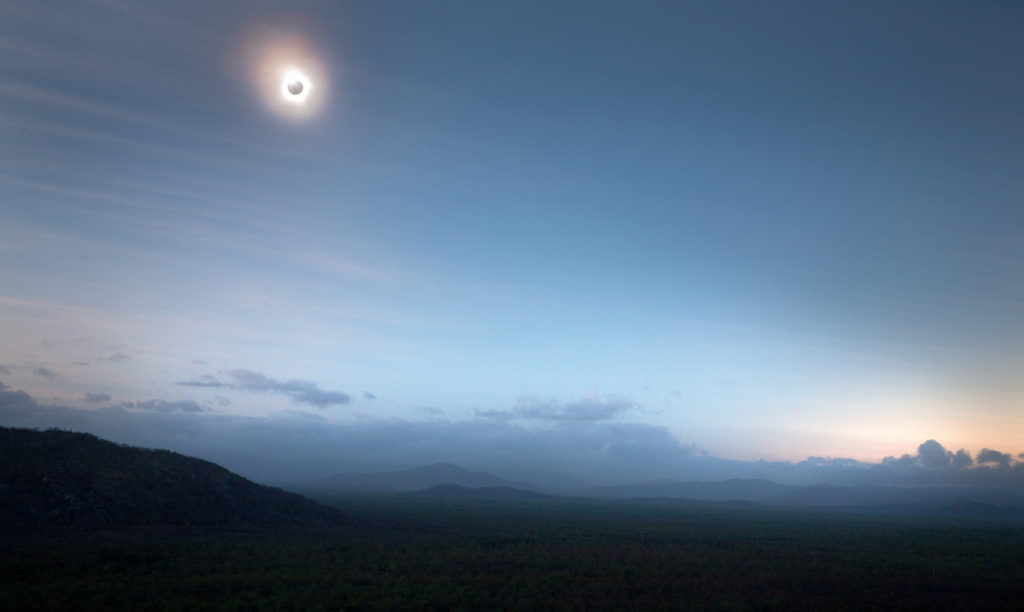 Total solar eclipse 2012. Queensland, Australia. Camera: Canon 5D. Photography Tips Blog